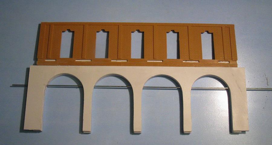 Anche in questo caso le cornici delle arcate sono in cartoncino e quelle della facciata in - Cornici finestre in mattoni ...